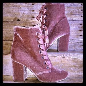 Reaction by Kenneth Cole Pink Velvet ankle boots